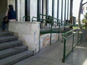 escaleras y rampa (una de tantas)